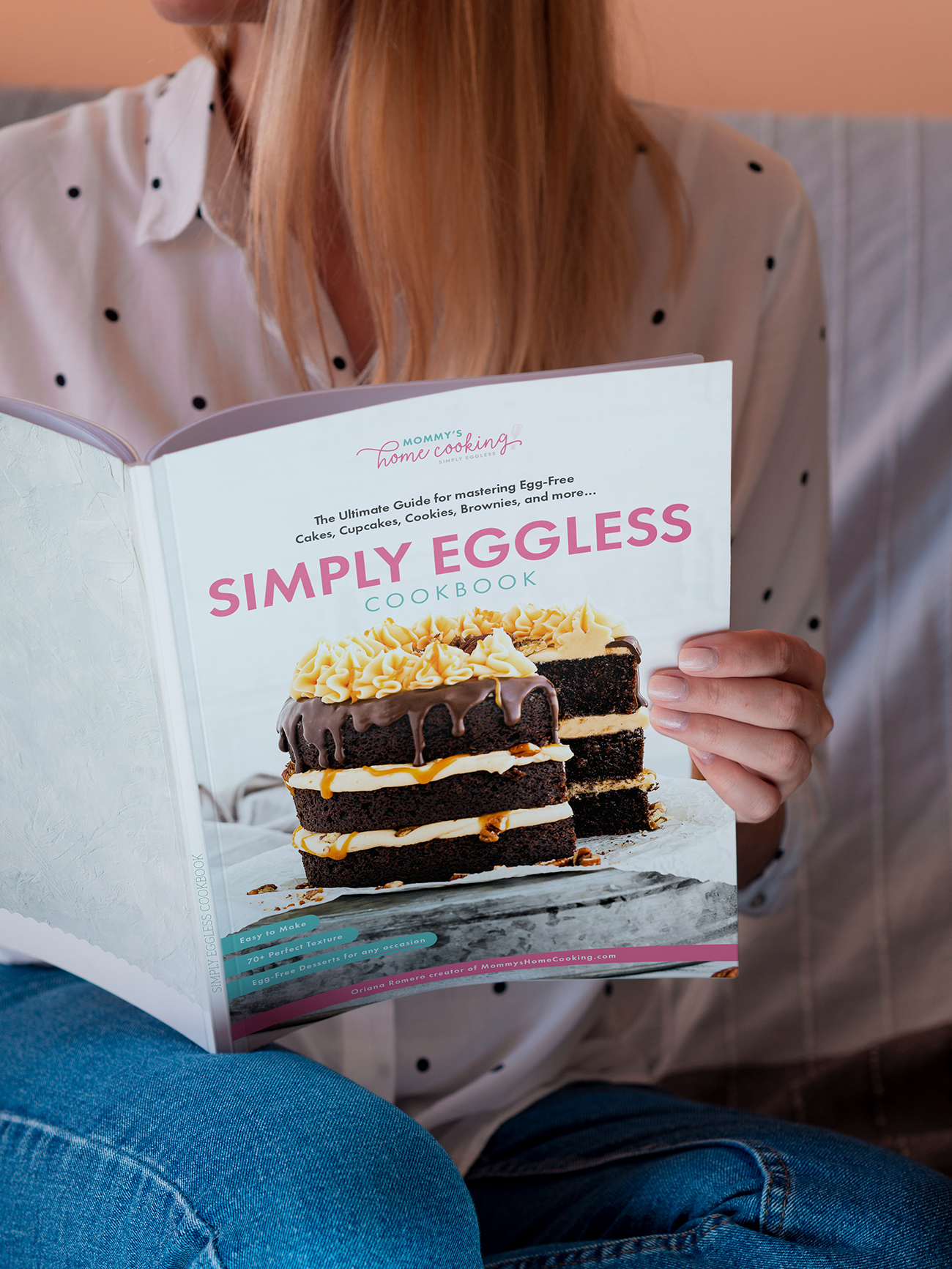 The Simply Eggless Cookbook . raulpinadesign
